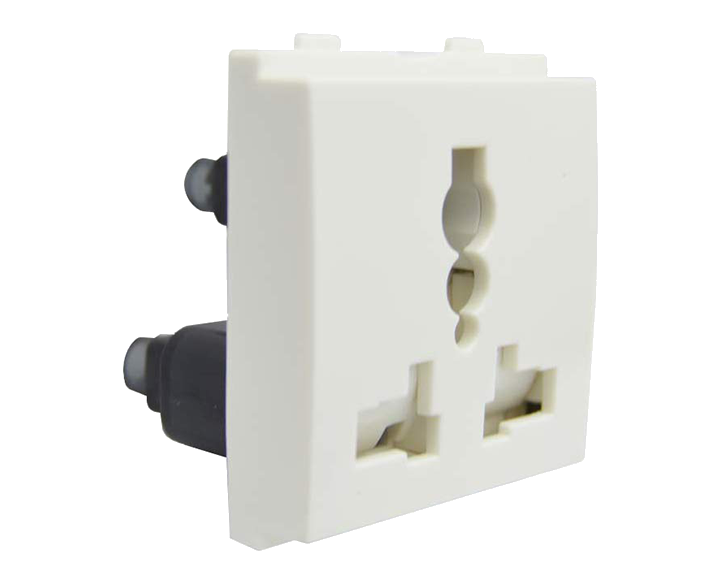 International Socket 13A